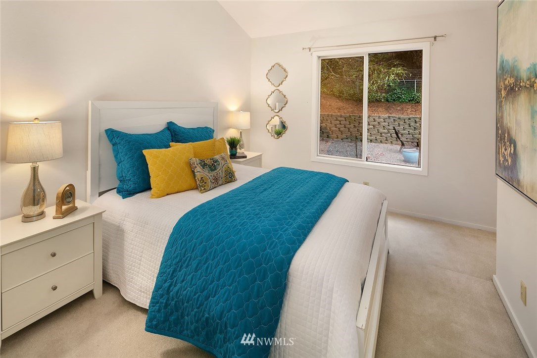 Sold Property   4920 NE 180th Street Lake Forest Park, WA 98155 21