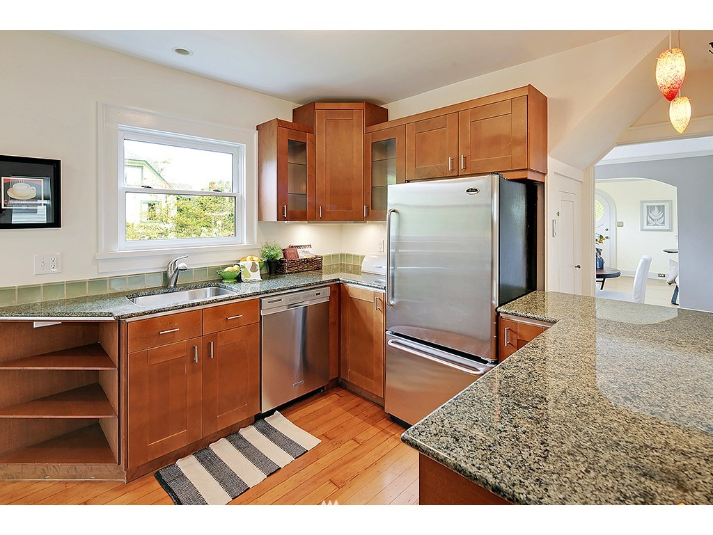 Sold Property | 7615 3rd Avenue NW Seattle, WA 98117 5