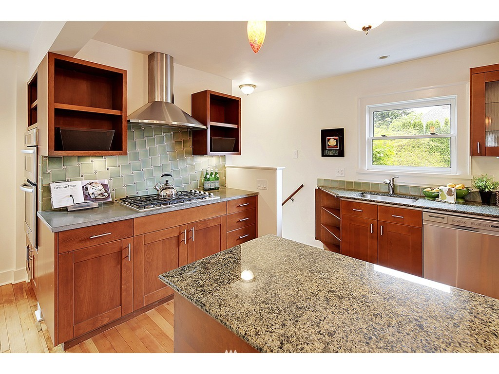 Sold Property | 7615 3rd Avenue NW Seattle, WA 98117 6