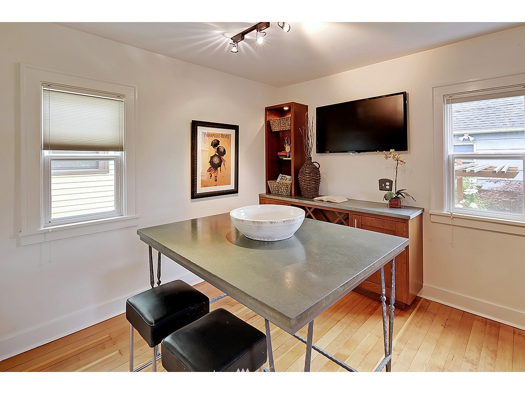 Sold Property | 7615 3rd Avenue NW Seattle, WA 98117 8