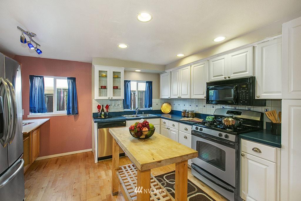 Sold Property | 112 28th Avenue S Seattle, WA 98144 2