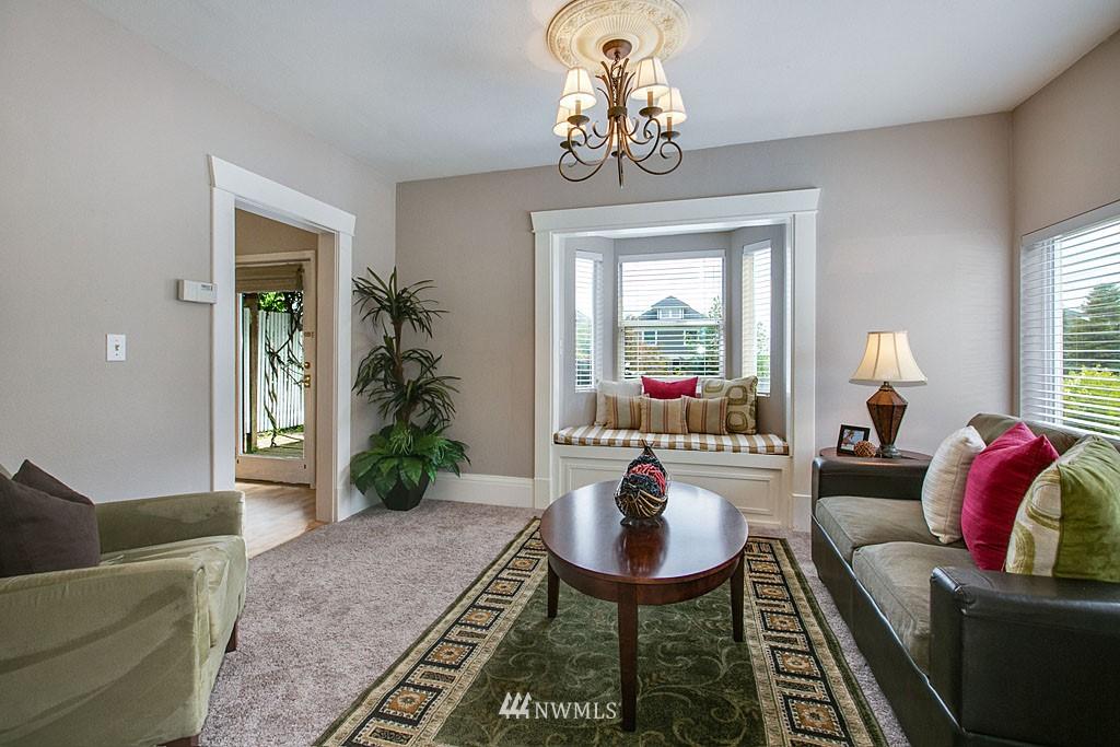 Sold Property | 112 28th Avenue S Seattle, WA 98144 7