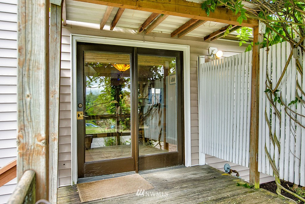 Sold Property | 112 28th Avenue S Seattle, WA 98144 12