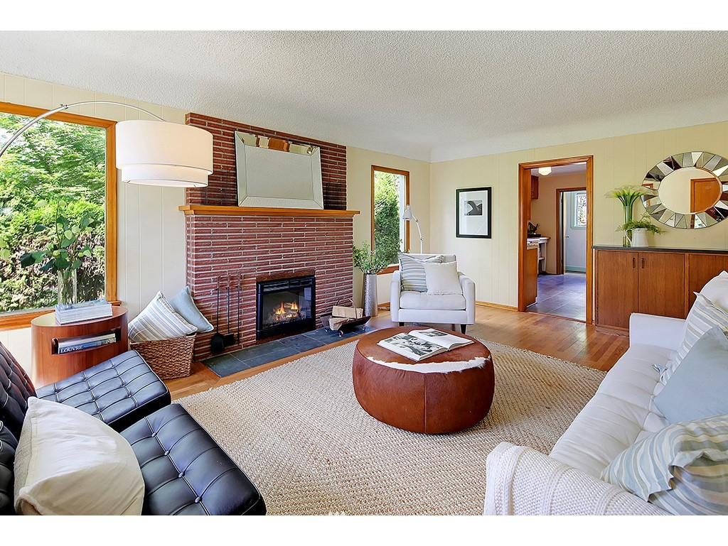Sold Property | 9110 25 Avenue NE Seattle, WA 98115 2