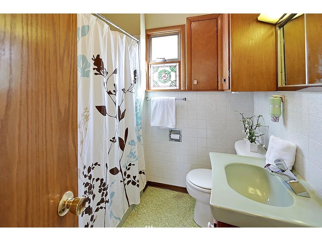 Sold Property | 9110 25 Avenue NE Seattle, WA 98115 7
