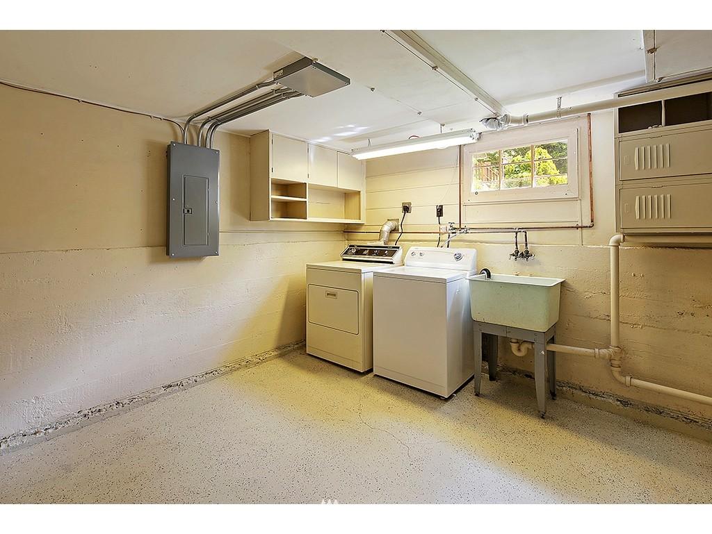 Sold Property | 9110 25 Avenue NE Seattle, WA 98115 12
