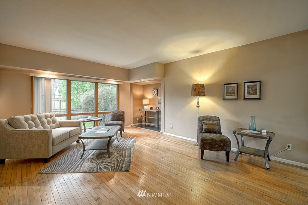 Sold Property | 14015 Interlake Avenue N Seattle, WA 98133 3