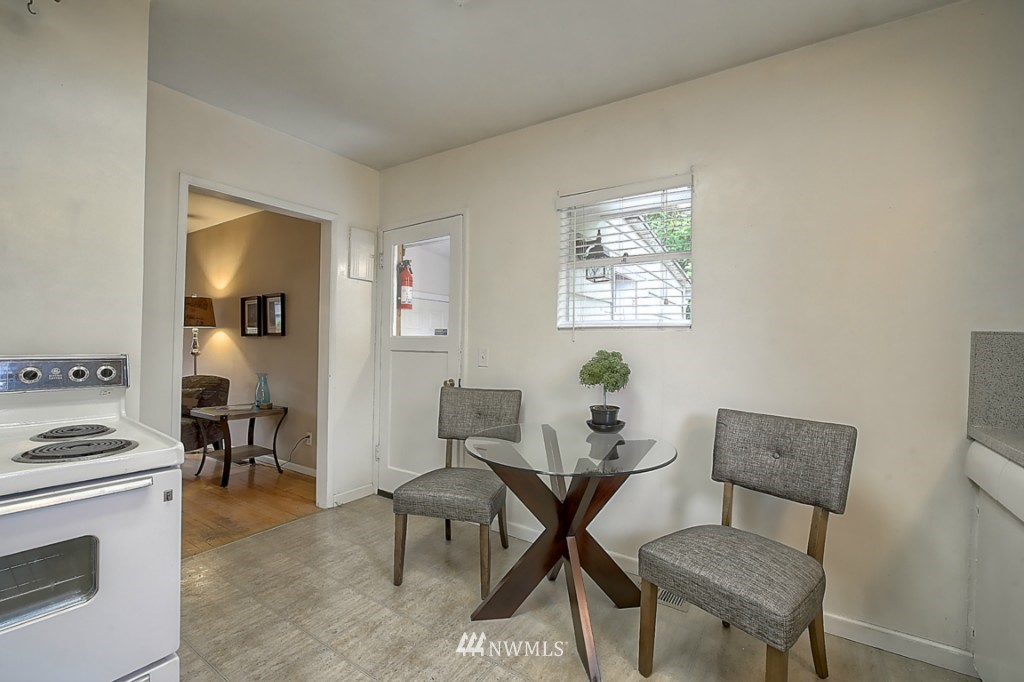 Sold Property | 14015 Interlake Avenue N Seattle, WA 98133 7