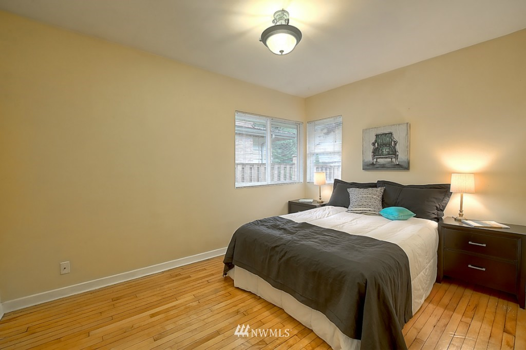Sold Property | 14015 Interlake Avenue N Seattle, WA 98133 8