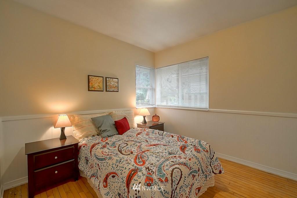 Sold Property | 14015 Interlake Avenue N Seattle, WA 98133 9
