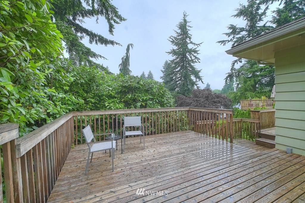 Sold Property | 14015 Interlake Avenue N Seattle, WA 98133 12