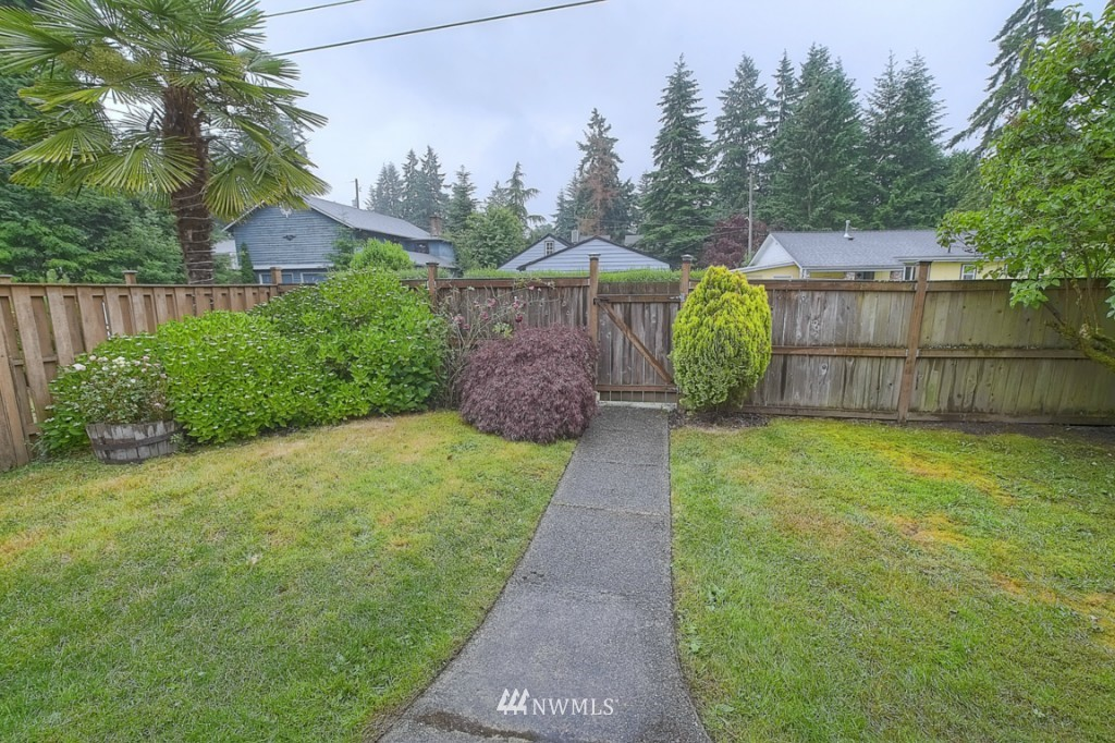 Sold Property | 14015 Interlake Avenue N Seattle, WA 98133 16