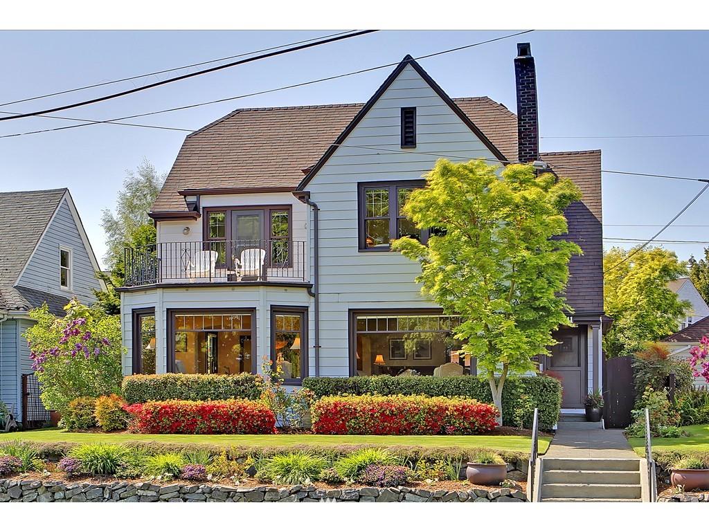 Sold Property | 7611 W Green Lake Drive N Seattle, WA 98103 0