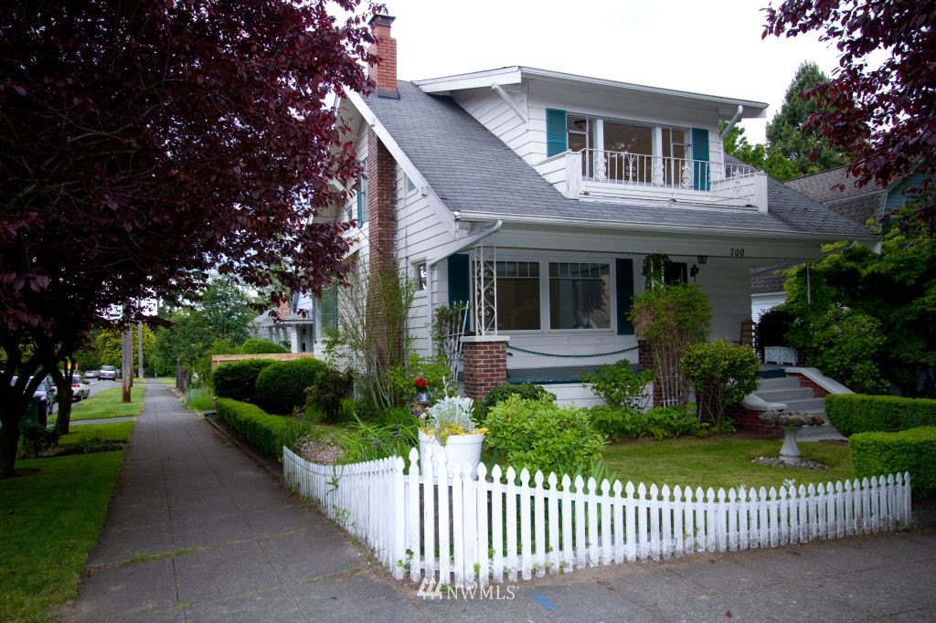 Sold Property   700 N 63rd Street Seattle, WA 98103 0