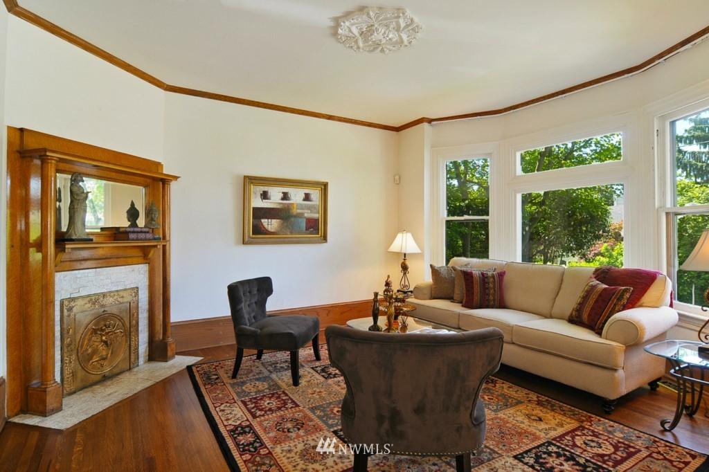 Sold Property | 722 12th Avenue E Seattle, WA 98102 1