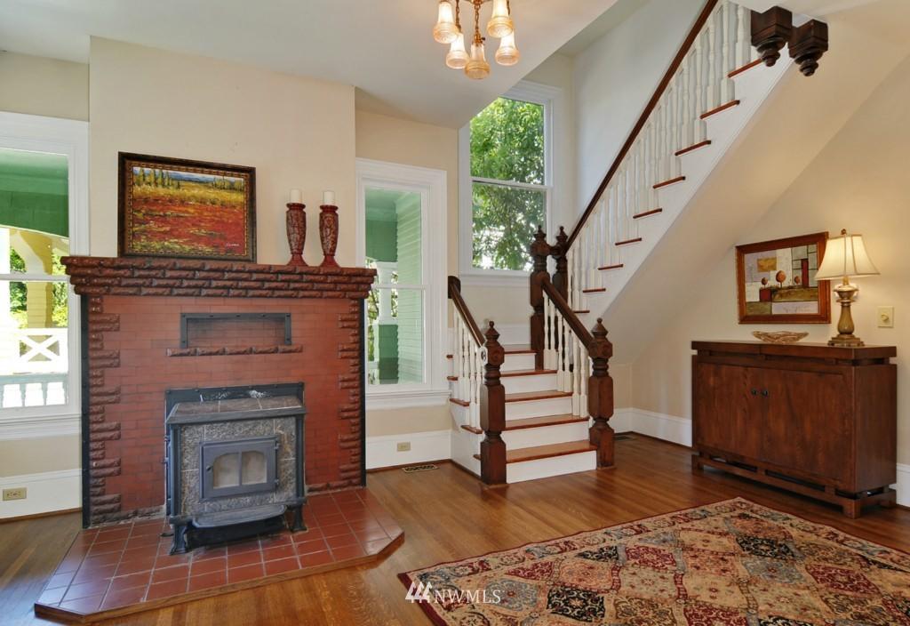 Sold Property | 722 12th Avenue E Seattle, WA 98102 6