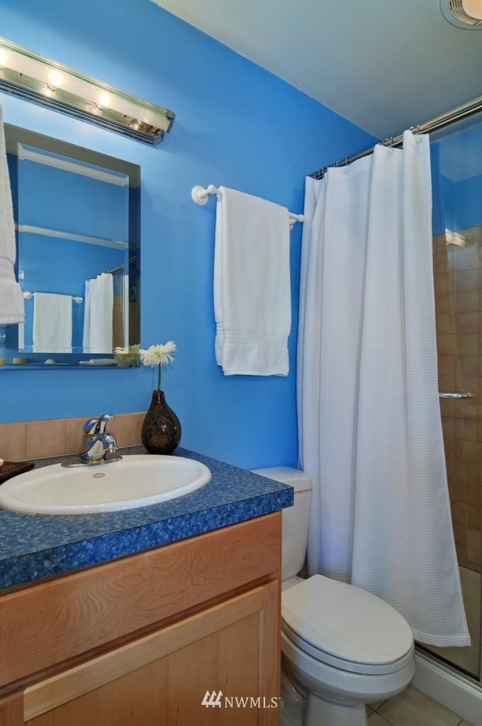 Sold Property | 722 12th Avenue E Seattle, WA 98102 9