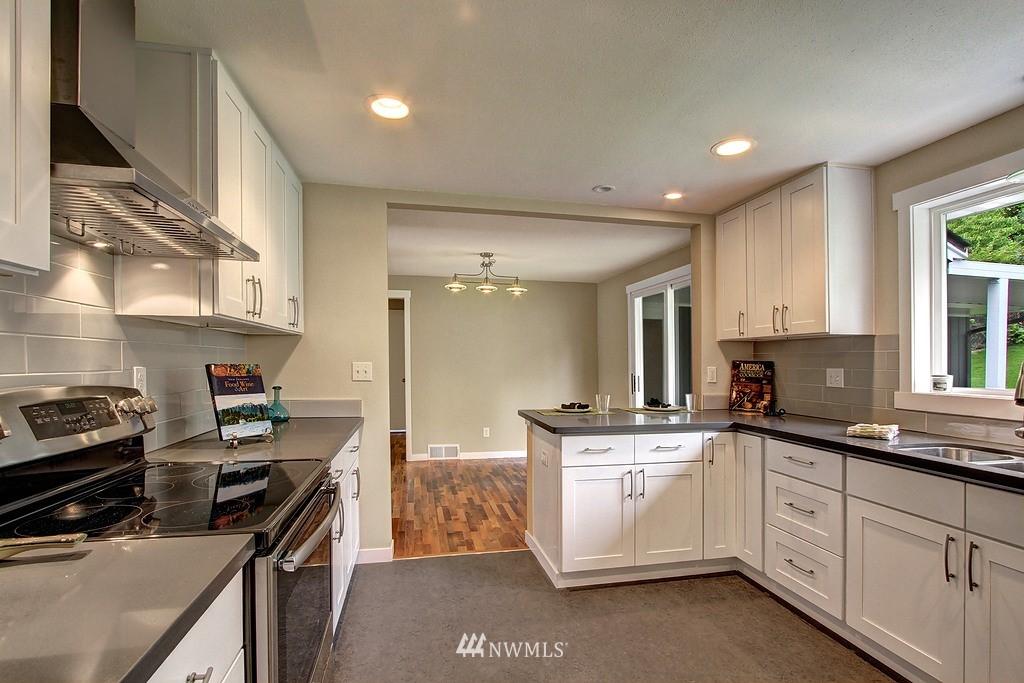 Sold Property   9110 1st Avenue NE Seattle, WA 98115 4