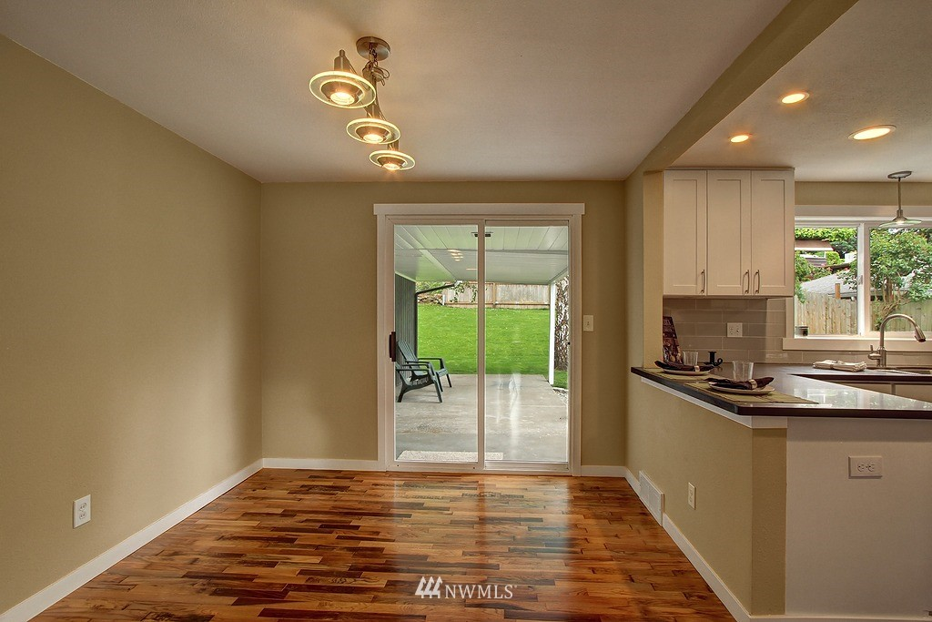 Sold Property   9110 1st Avenue NE Seattle, WA 98115 5