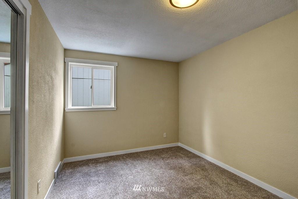 Sold Property   9110 1st Avenue NE Seattle, WA 98115 10