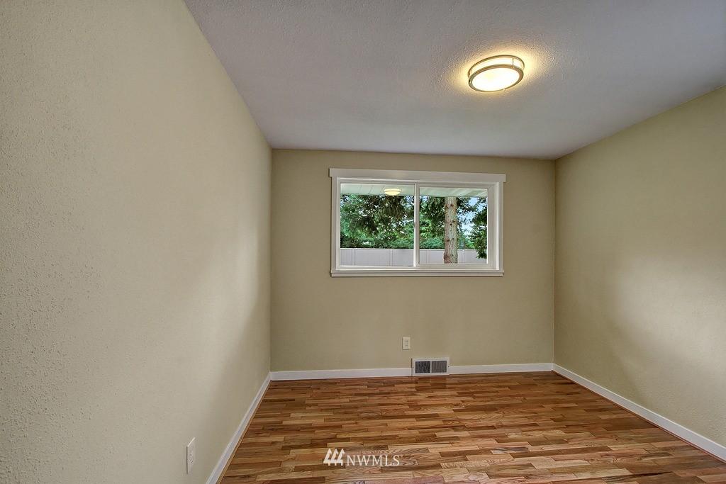 Sold Property   9110 1st Avenue NE Seattle, WA 98115 11