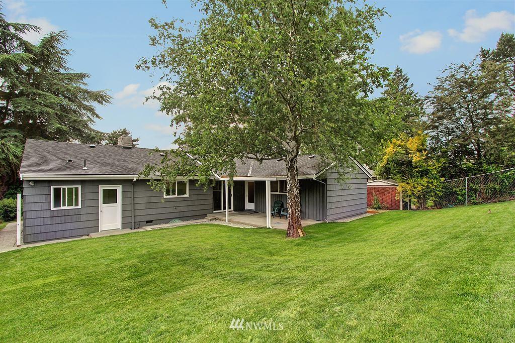 Sold Property   9110 1st Avenue NE Seattle, WA 98115 17