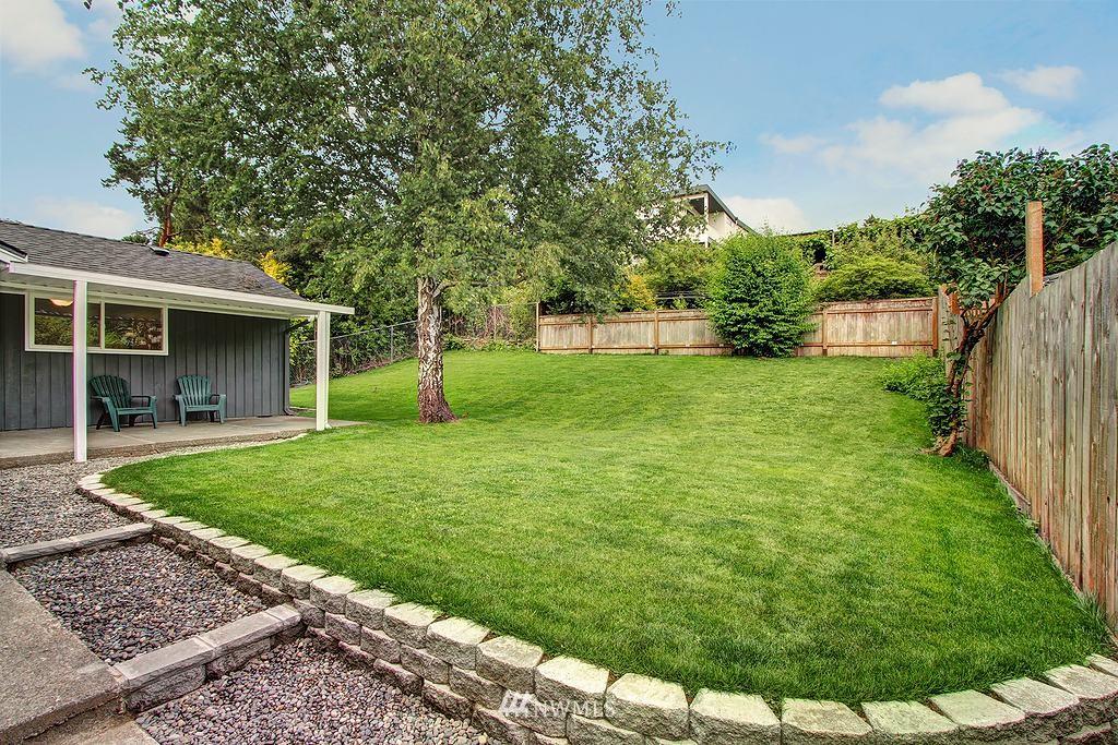 Sold Property   9110 1st Avenue NE Seattle, WA 98115 16