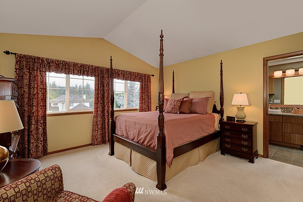 Sold Property | 17501 53rd Place W Lynnwood, WA 98037 12