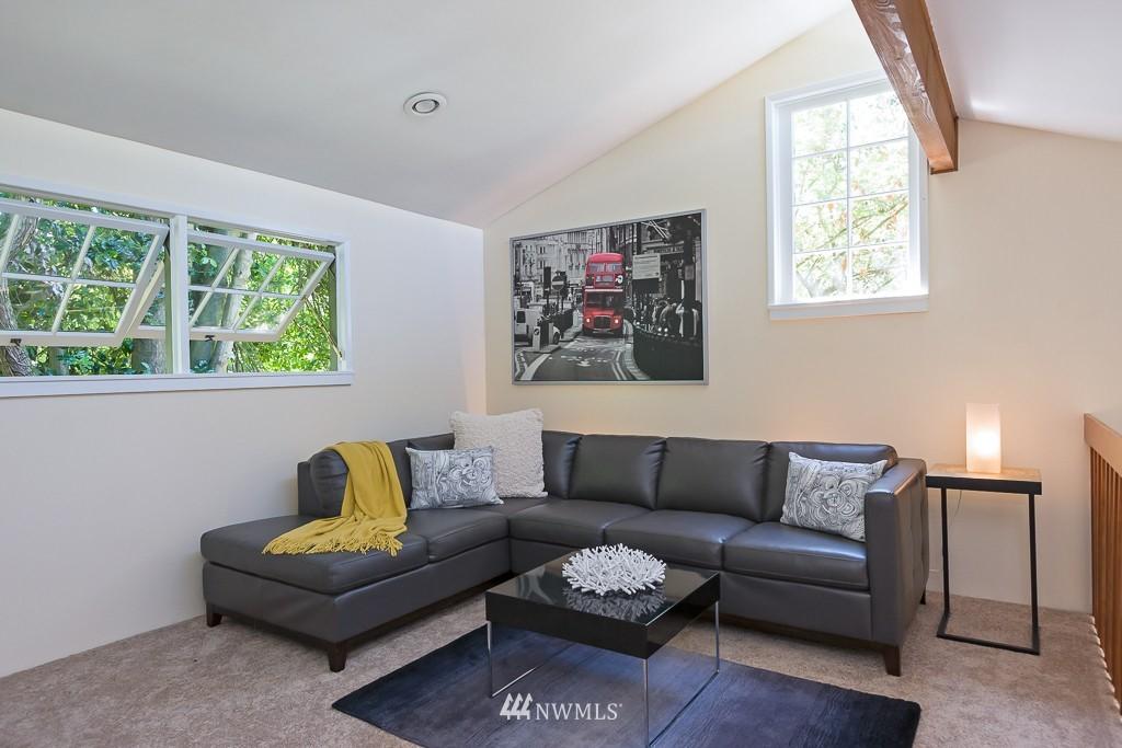 Sold Property | 6814 21 Avenue NE Seattle, WA 98115 4