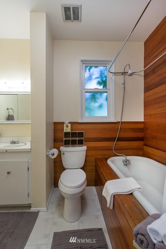 Sold Property | 6814 21 Avenue NE Seattle, WA 98115 6