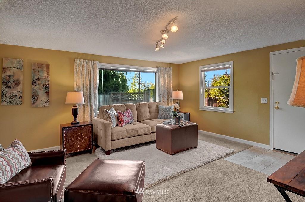 Sold Property | 511 NE 174th Street Shoreline, WA 98155 2