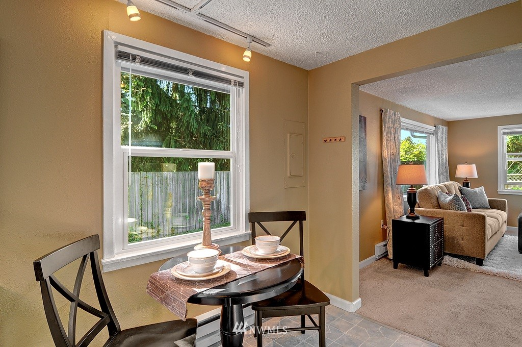 Sold Property | 511 NE 174th Street Shoreline, WA 98155 4