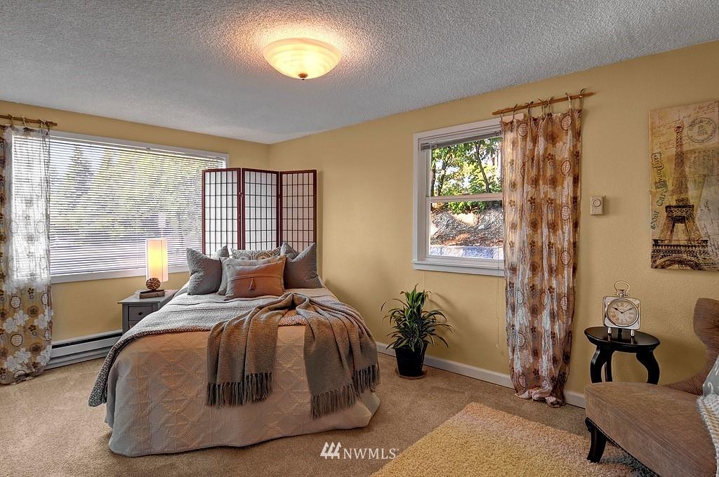 Sold Property | 511 NE 174th Street Shoreline, WA 98155 5