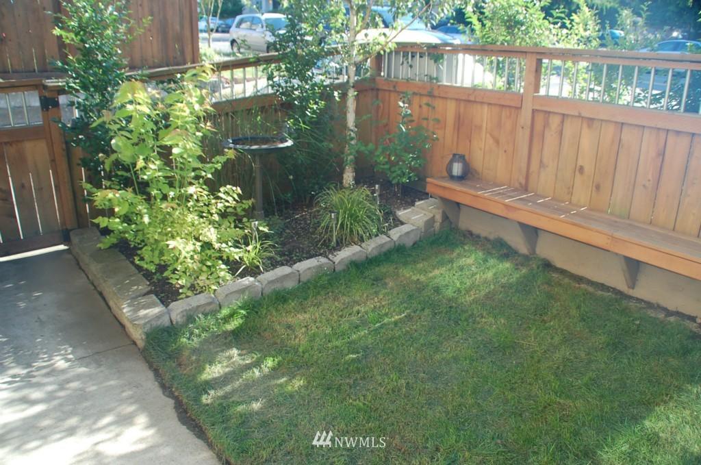 Sold Property | 6737 24th Avenue NW #B Seattle, WA 98117 2