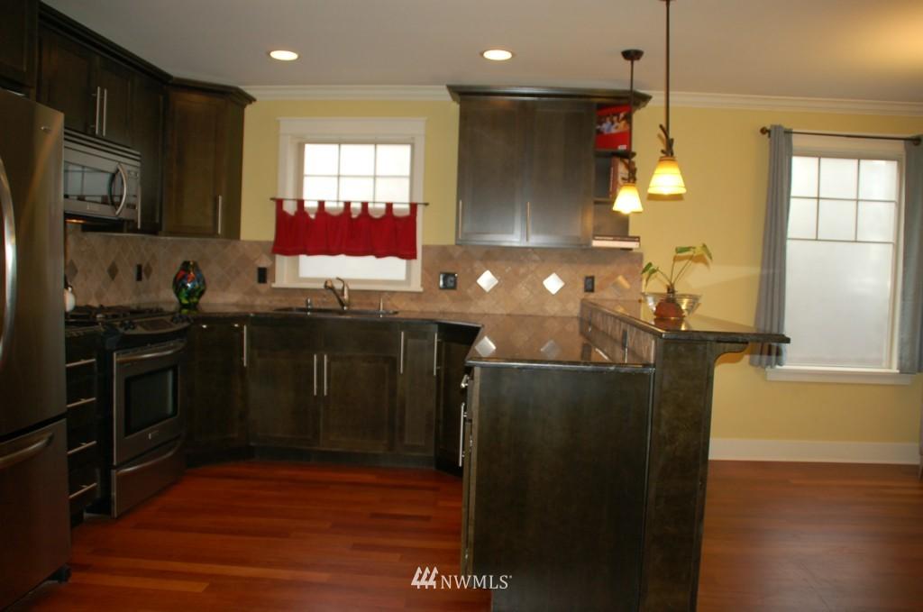 Sold Property | 6737 24th Avenue NW #B Seattle, WA 98117 6