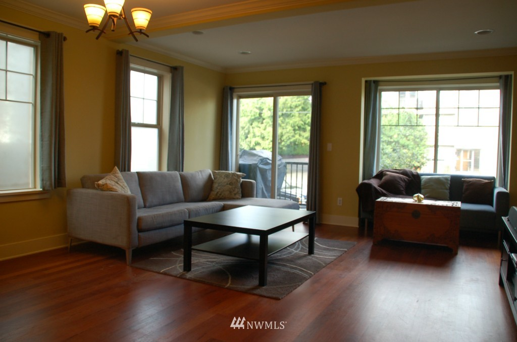 Sold Property | 6737 24th Avenue NW #B Seattle, WA 98117 7