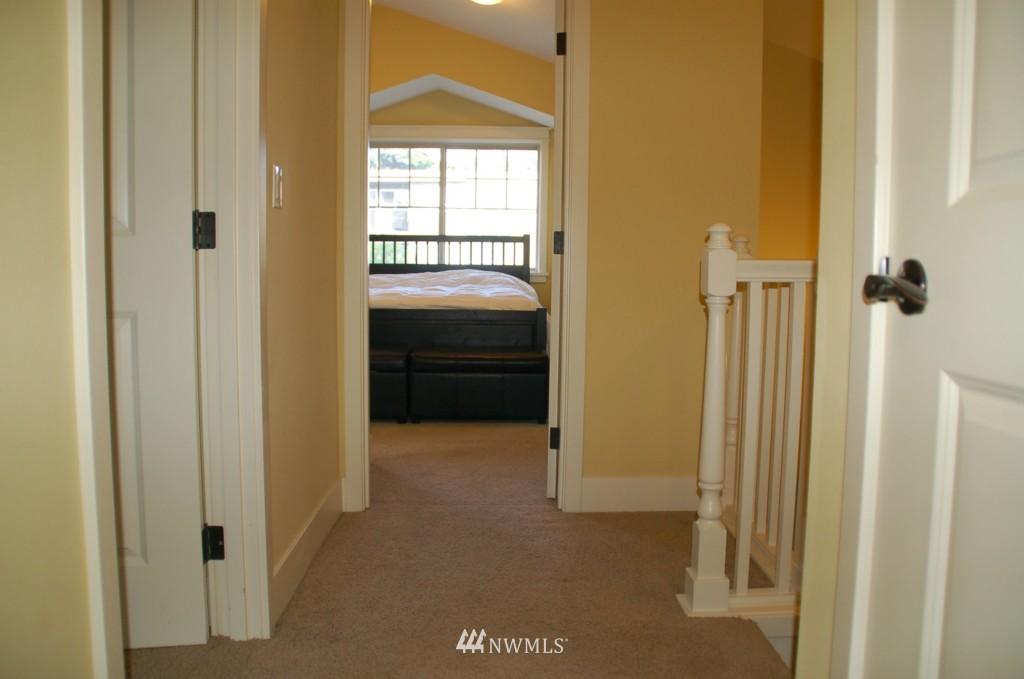 Sold Property | 6737 24th Avenue NW #B Seattle, WA 98117 12