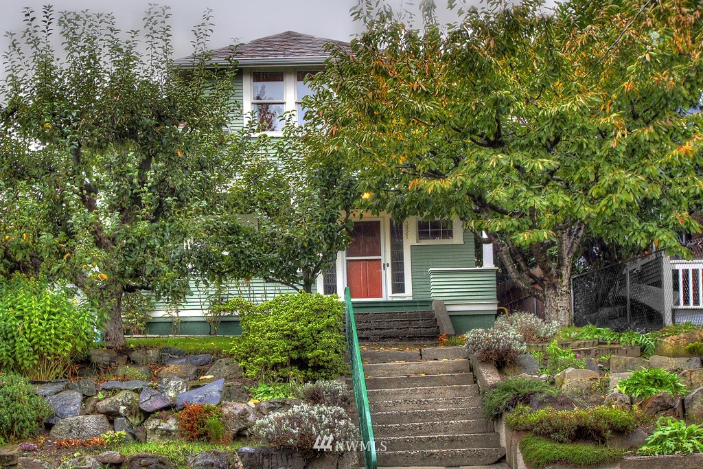 Sold Property   3821 Meridian Avenue N Seattle, WA 98103 0