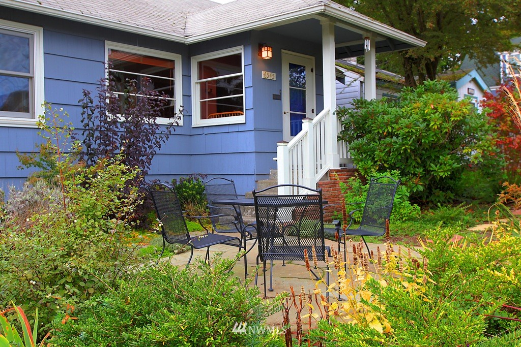 Sold Property | 6545 10th Avenue NW Seattle, WA 98117 0