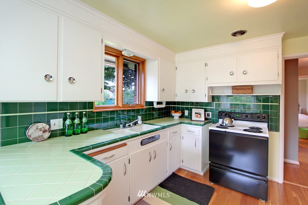 Sold Property | 7707 Mary Avenue NW Seattle, WA 98117 5