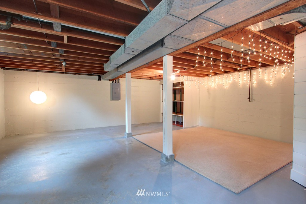 Sold Property | 7707 Mary Avenue NW Seattle, WA 98117 12