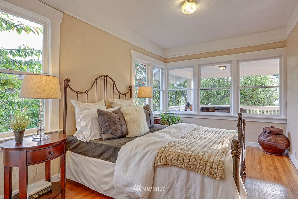 Sold Property | 6712 Cleopatra Place NW Seattle, WA 98117 7