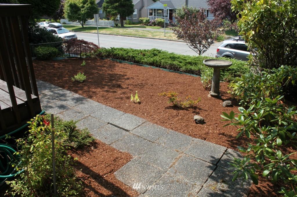 Sold Property | 3224 32nd Avenue W Seattle, WA 98199 1