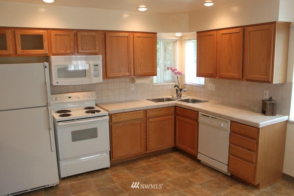 Sold Property | 3224 32nd Avenue W Seattle, WA 98199 3