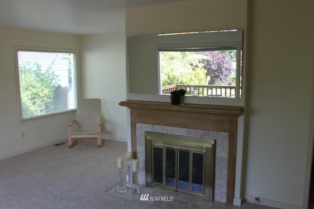 Sold Property | 3224 32nd Avenue W Seattle, WA 98199 6