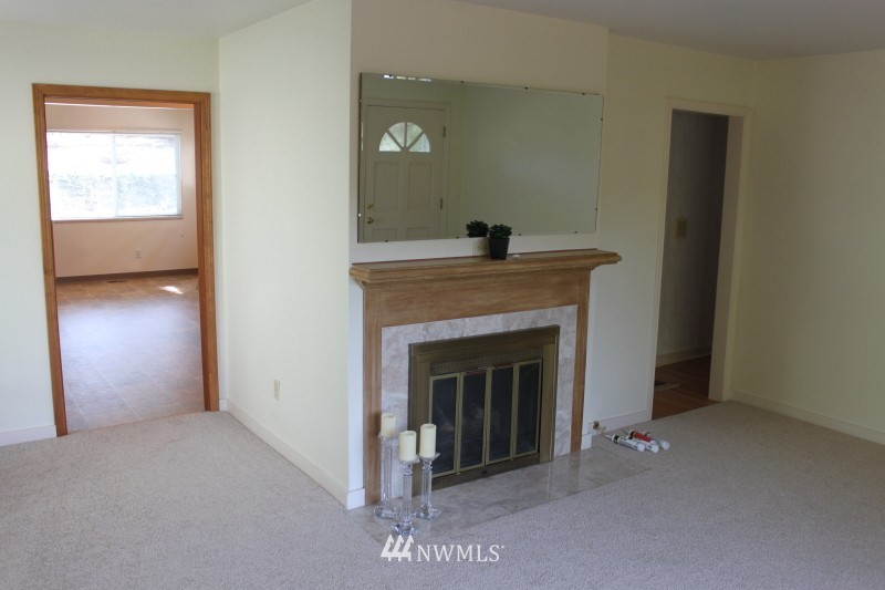Sold Property | 3224 32nd Avenue W Seattle, WA 98199 7