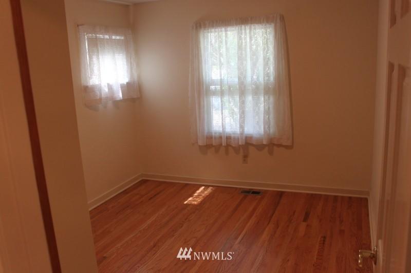 Sold Property | 3224 32nd Avenue W Seattle, WA 98199 9