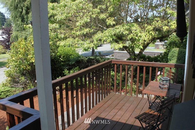 Sold Property | 3224 32nd Avenue W Seattle, WA 98199 12