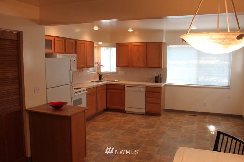 Sold Property | 3224 32nd Avenue W Seattle, WA 98199 4