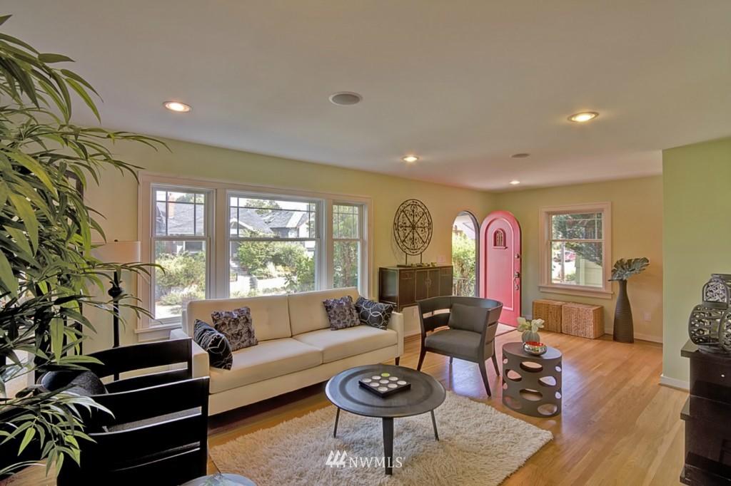 Sold Property | 109 NE 52nd Street Seattle, WA 98105 2